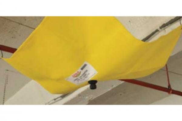 Lijak za zadrževanje vode v primeru puščanja strehe ali stropnih cevi
